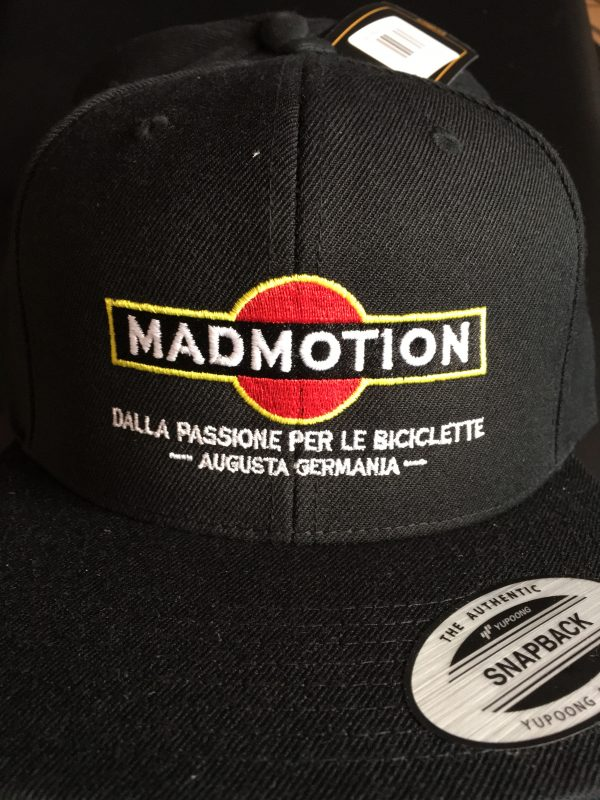 Mad Motion Anniversary25 CAP Snapback Support Augsburg